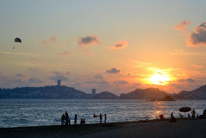 Puesta-de-Sol-en-Acapulco