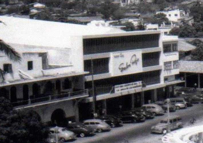 Zocalo-Cine-Salon-Rojo