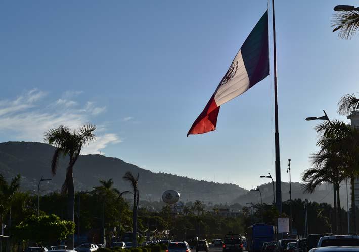 Asta-Bandera-Acapulco