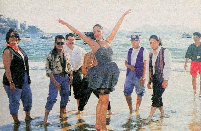selena-en-playa-de-acapulco