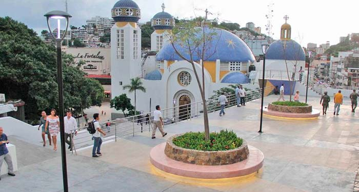 Inauguran mirador y nueva plazoleta en el Zócalo